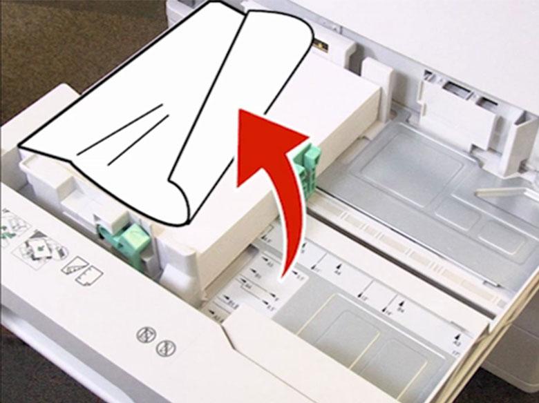 Retirer le papier coincé dans le bac1