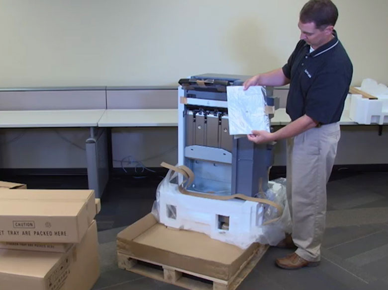 Déballer l'unité de finition standard et retirer tous les emballages