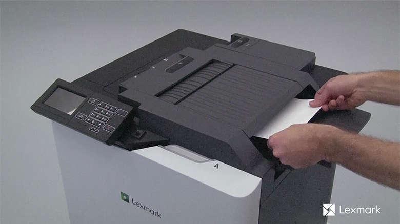 Entfernen Sie das gestaute Papier