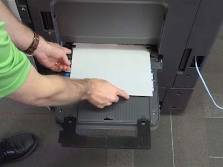 Load paper for one‑sided printing ‑ without an optional finisher