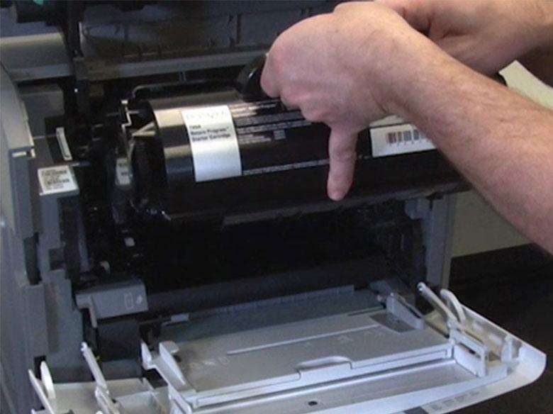 Introducir el cartucho de impresión