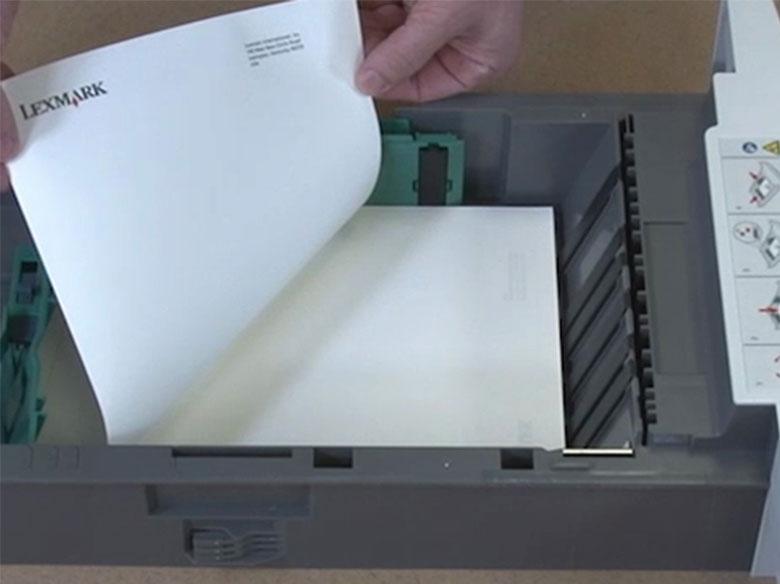 Cargar el papel con cabecera