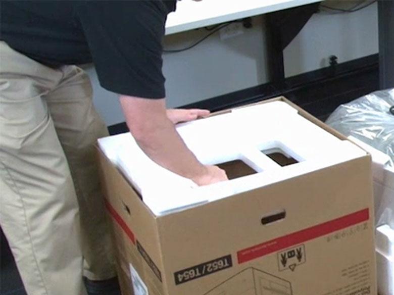 Retirer l'emballage du carton