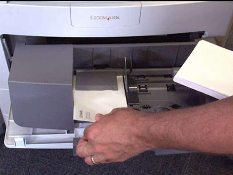 Remove all of the envelopes from the envelope feeder, and then remove the jammed envelope